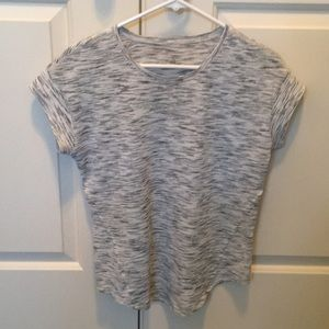 Lulu lemon tee shirt